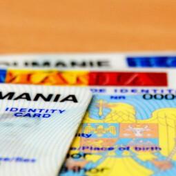 Továbbra sem biztosítja a bukaresti intézmény a személyi igazolványokhoz szükséges alapanyagot