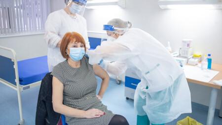 Centrele de vaccinare din municipiul Satu Mare au nevoie urgentă de medici!